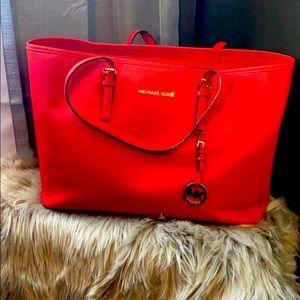 Travel Full Michael Kors red bag